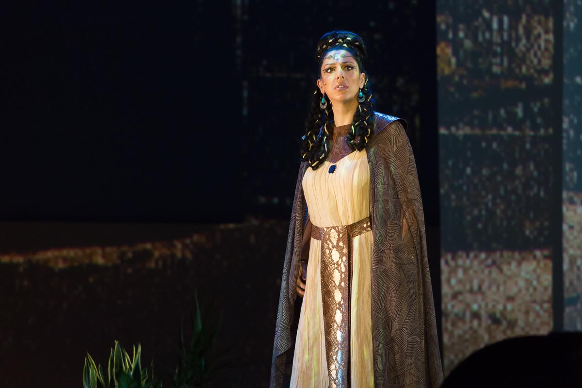Aida-Dimanche-316